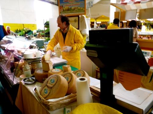farmers markets Rome central cheese stall Campagna amica lazio italy