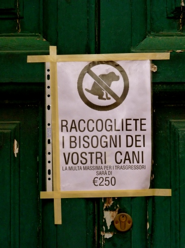 Roma Italy dog poo sign