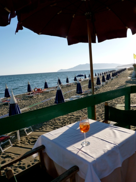 italy tuscan coast seaside rome aperitivo spritz